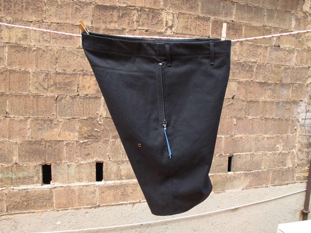 Kurze Hose mit Reissverschluss in Biobaumwolle aus Ripsmoleskin von INDNAT nach Mass