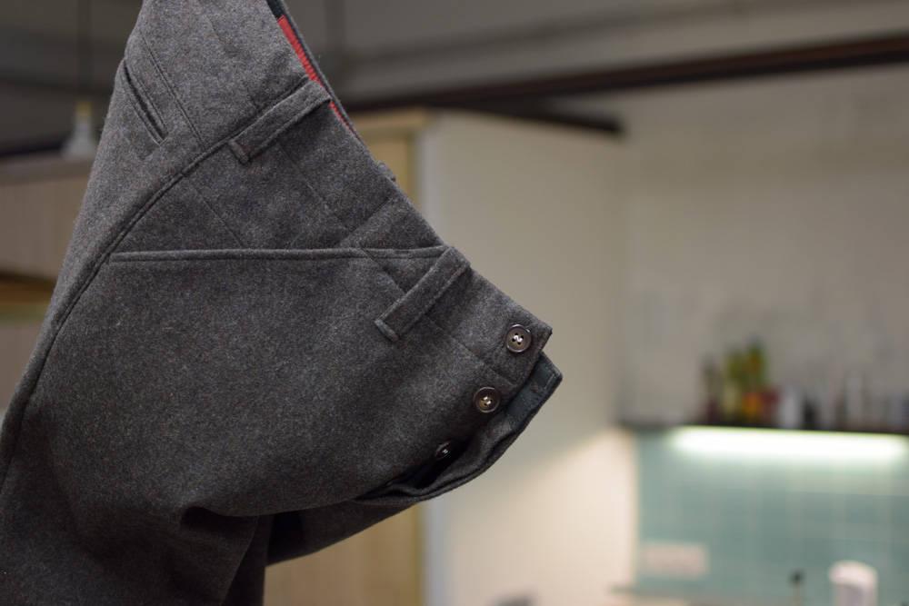 Lässige Lodenhose in Braun mit gutem Schnitt von INDNAT, coole Lodenhosen, Worker, Chinos, Loden