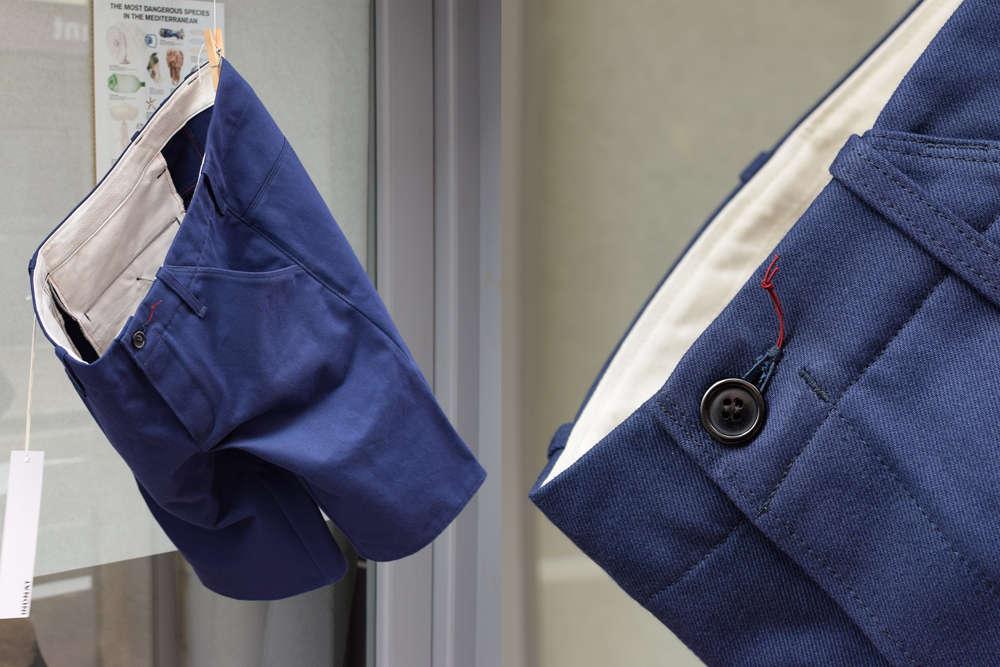 Kurze Hose in Workerblau aus Biobaumwolle von INDNAT in Girona